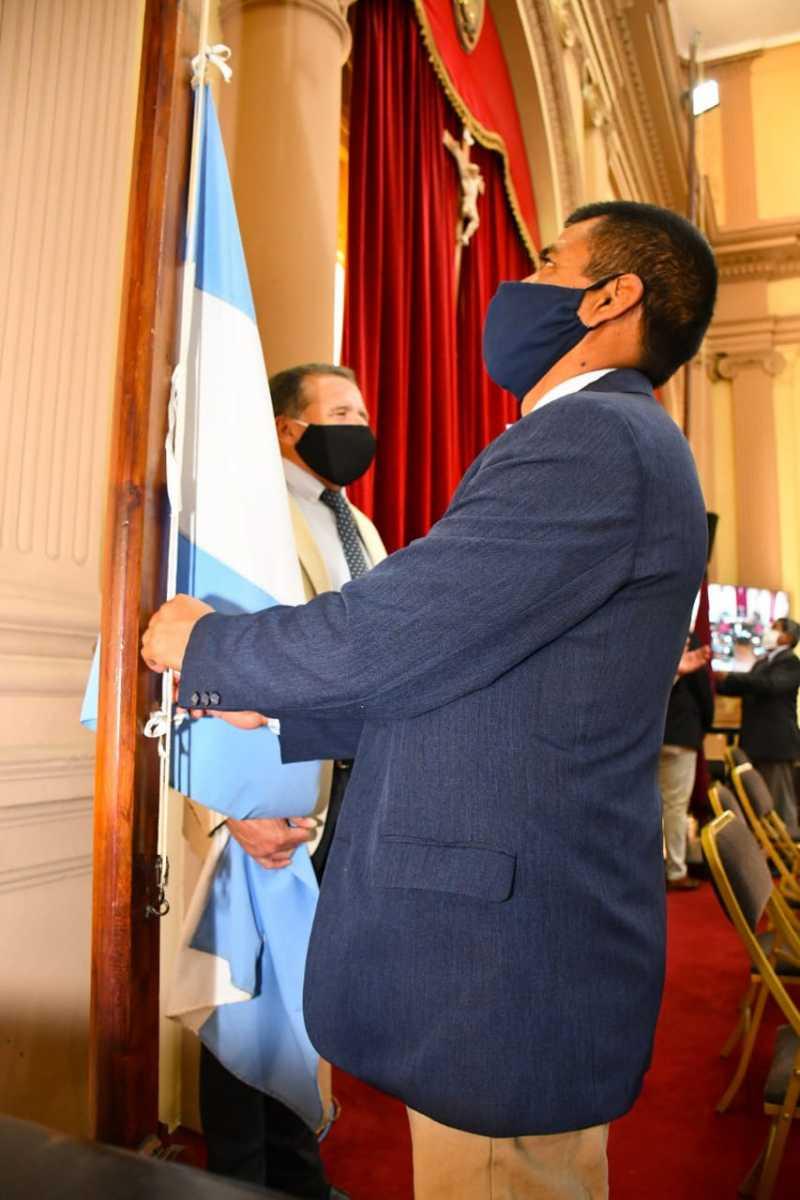 6°-Sesión-Ordinaria-Bandera-argentina
