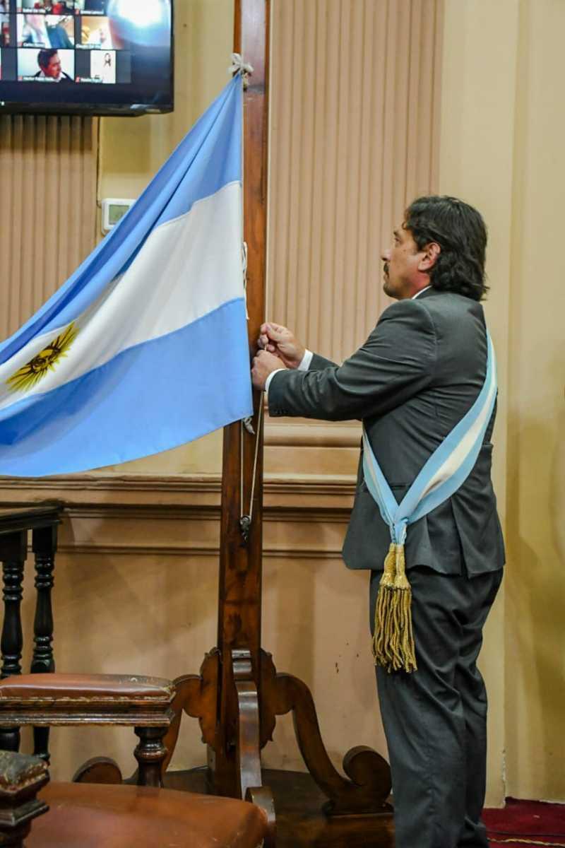 Asamblea-Legislativa-Bandera