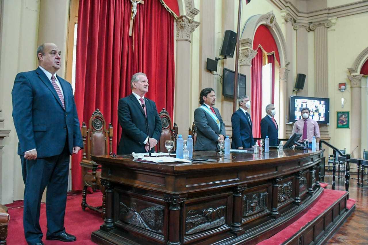 Asamblea-Legislativa-Estrado-2