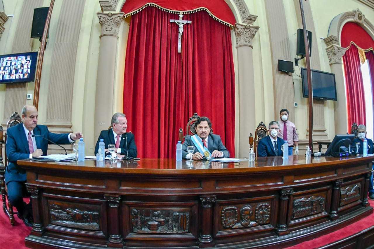 Asamblea-Legislativa-Estrado
