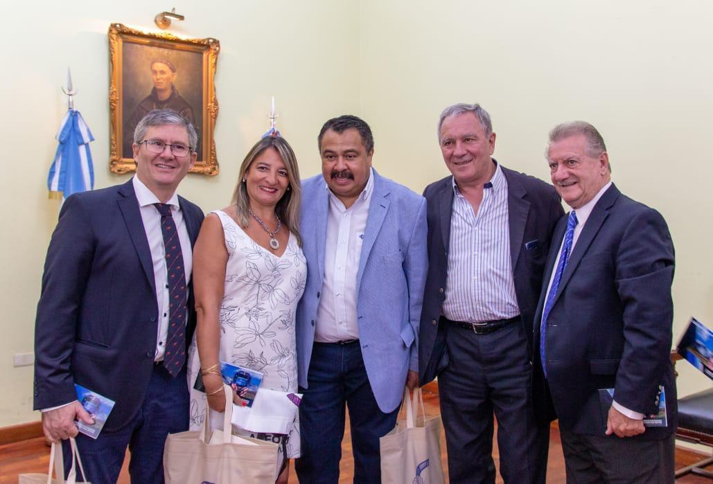 Marocco-junto-a-legisladores-en-Catamarca