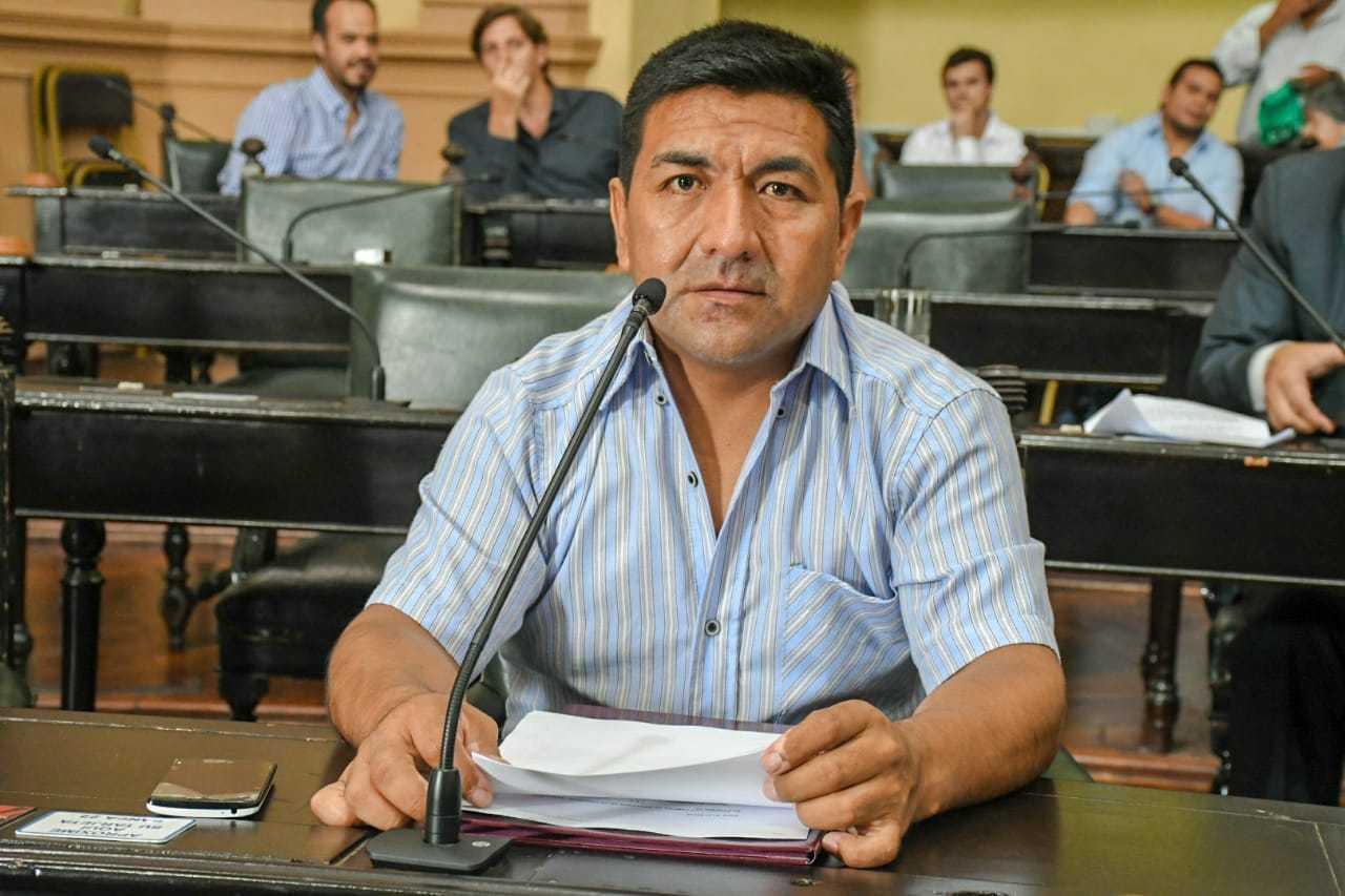 Sesión-Extraordinaria-Carlos-Ampuero